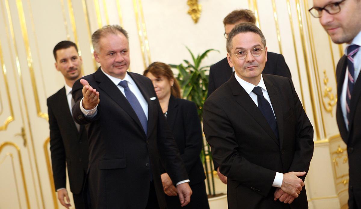 Francúzsky veľvyslanec odovzdal prezidentovi svoje poverovacie listiny