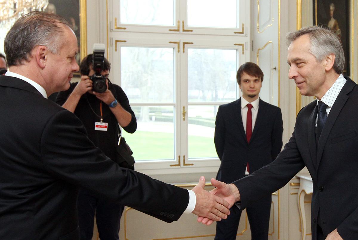 Kiska sa stretol s končiacim predsedom KDH Jánom Figeľom