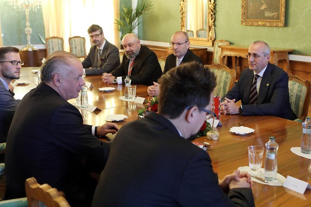 Prezident prijal právnické komory k téme kandidátov na ústavných sudcov