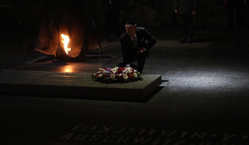 Andrej Kiska navštívil Jad Vašem, vyznamenal Arona Grünhuta