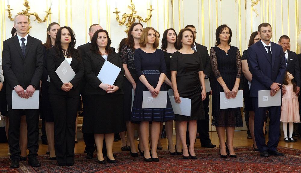 Kiska vymenoval 23 sudcov, apeloval na dobrú voľbu členov Súdnej rady