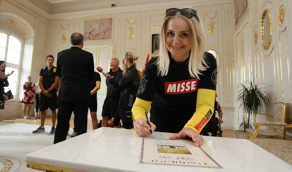 Andrej Kiska podporil charitatívnu akciu cyklokuriérov Misia
