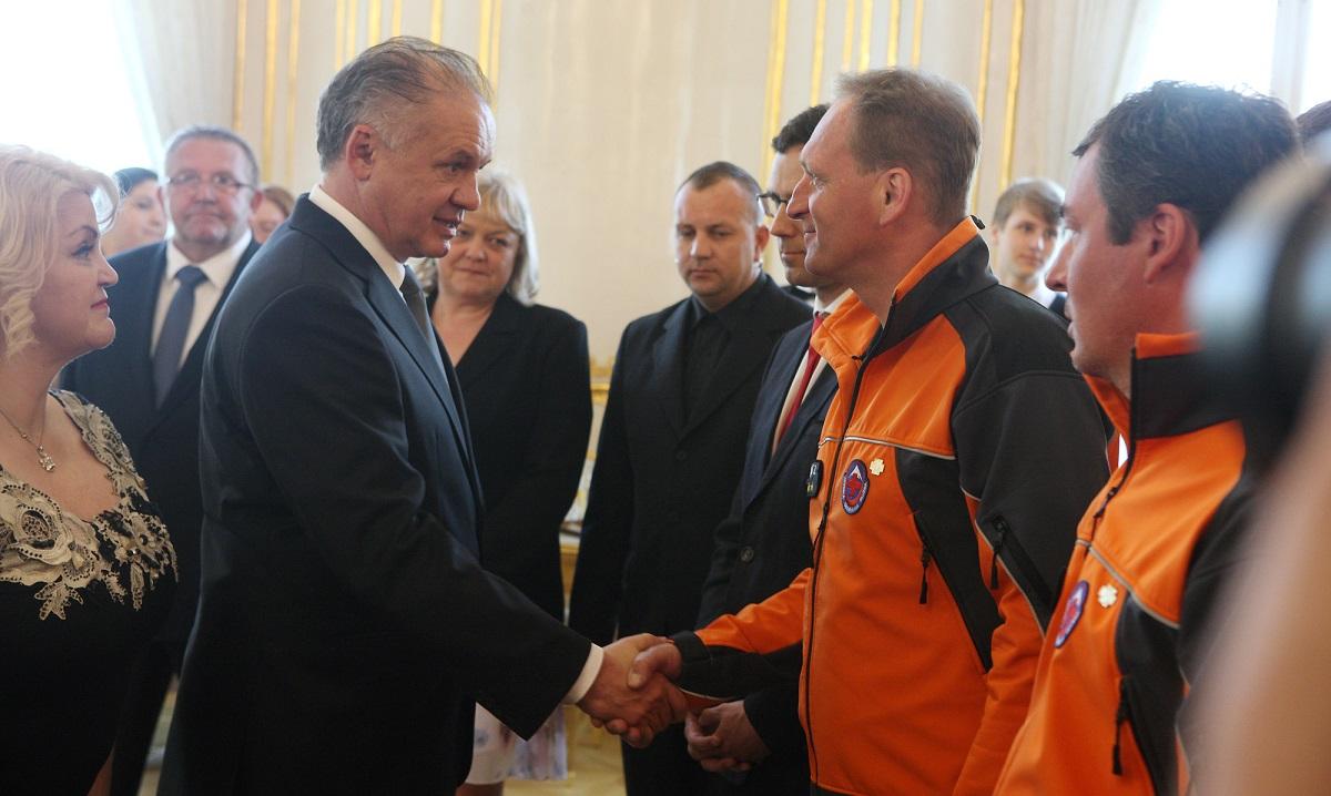 Prezident poďakoval oceneným záchranárom