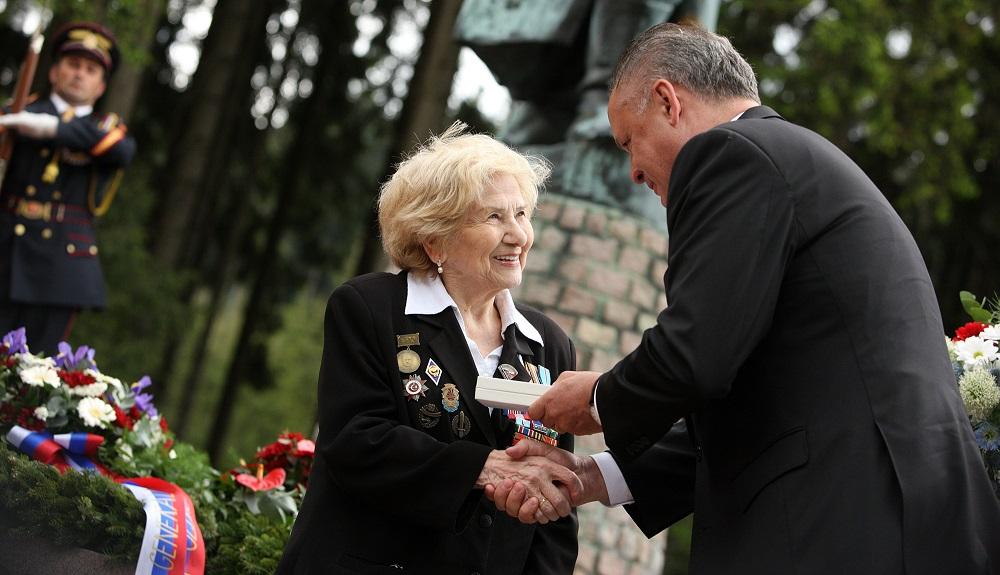 Prezident si v Makove uctil hrdinov druhej svetovej vojny
