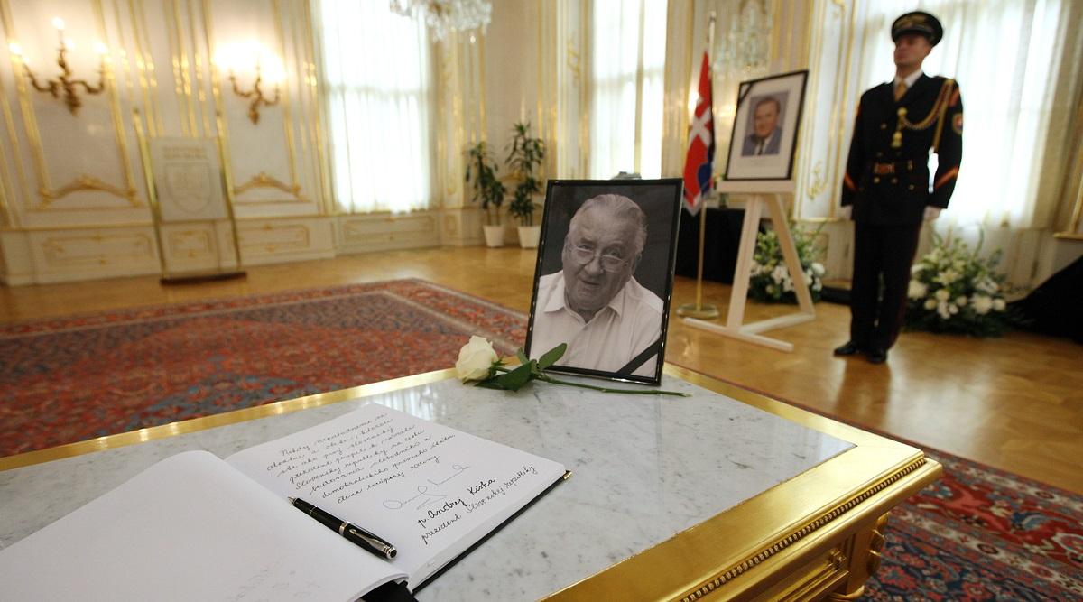 Štátny pohreb Michala Kováča bude vo štvrtok 13. októbra