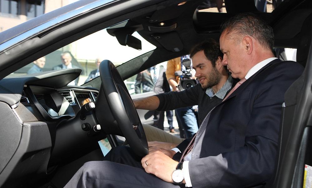 Prezident Kiska diskutoval v Kalifornii o inováciách v doprave