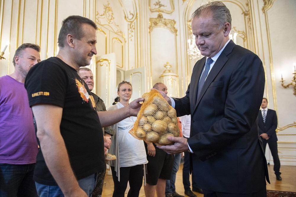 Prezident Kiska prijal protestujúcich farmárov