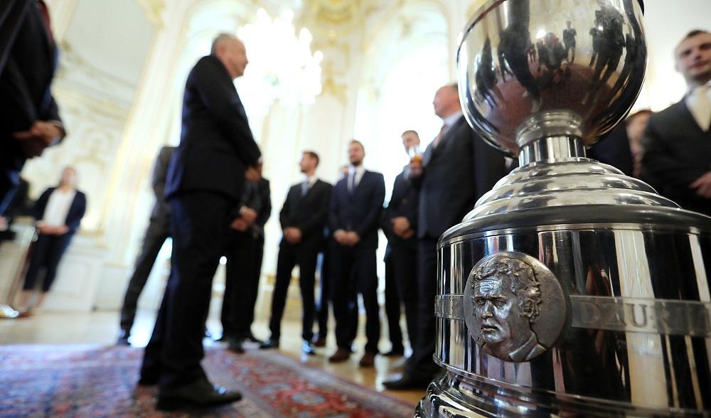 Prezident prijal obhajcov hokejového titulu z Banskej Bystrice