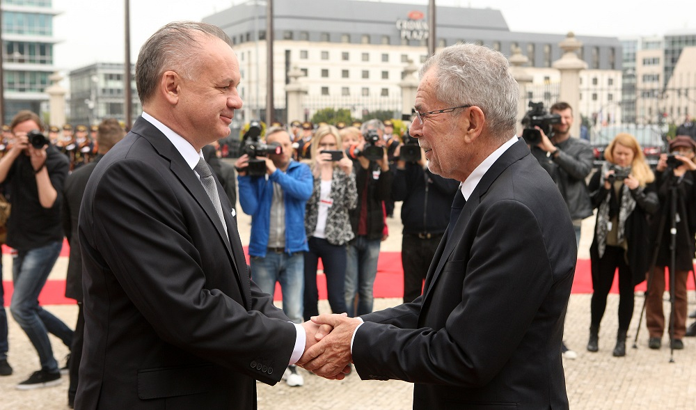 Kiska privítal rakúskeho prezidenta Van der Bellena na oficiálnej návšteve