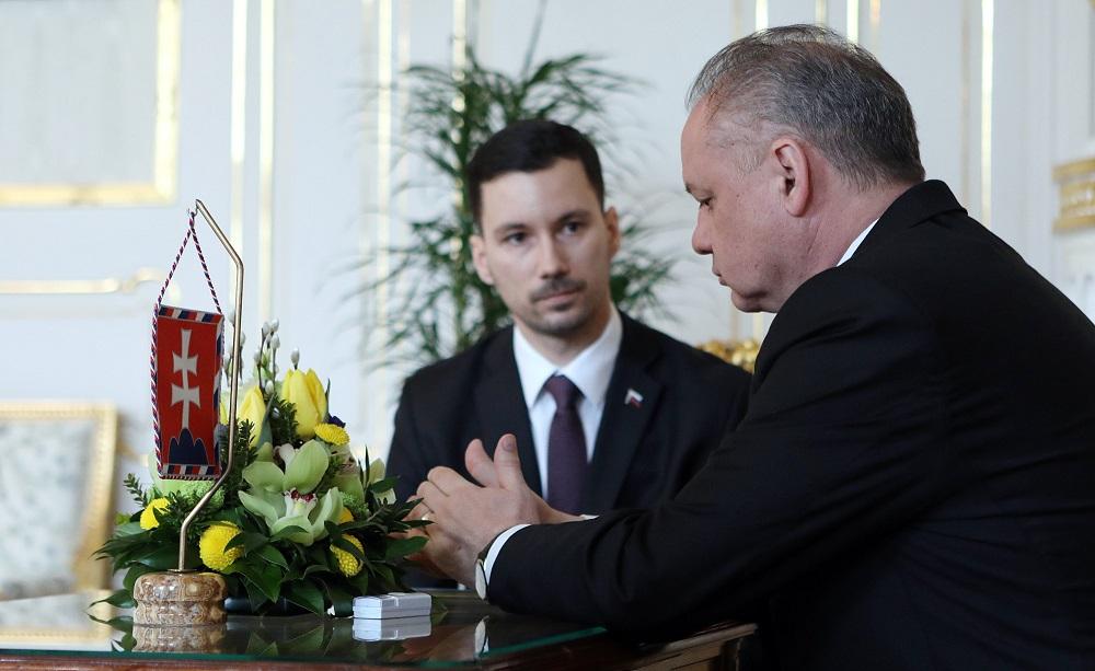 Prezident sa pýtal na nevyhostenie ruských diplomatov