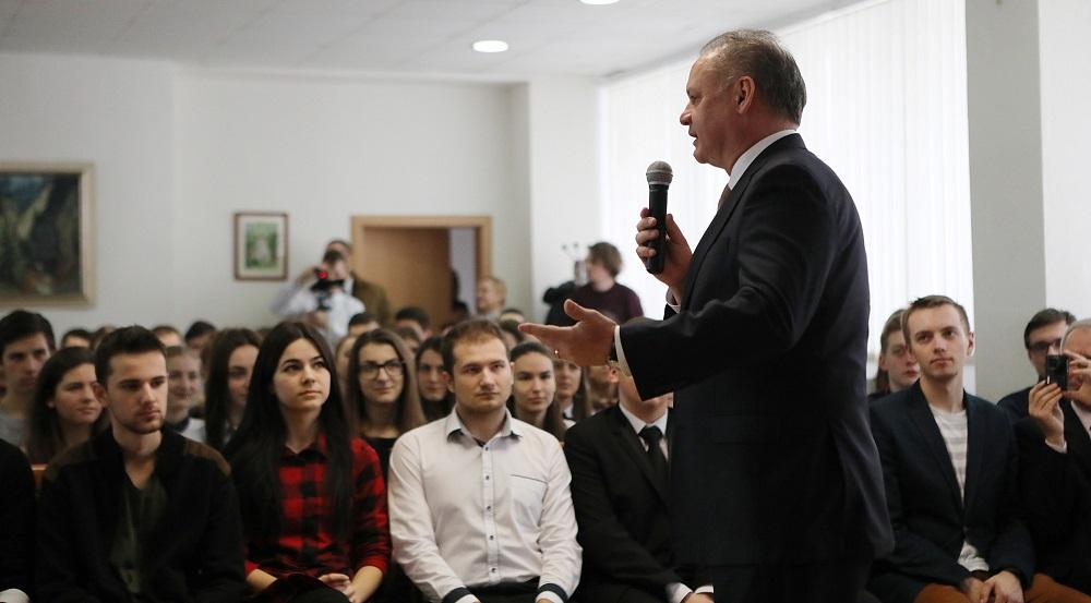 Prezident pracovne navštívil Tvrdošín a Trstenú