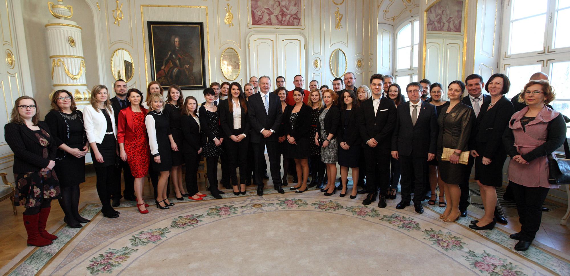 Prezident prijal Dobrovoľníkov roka 2015
