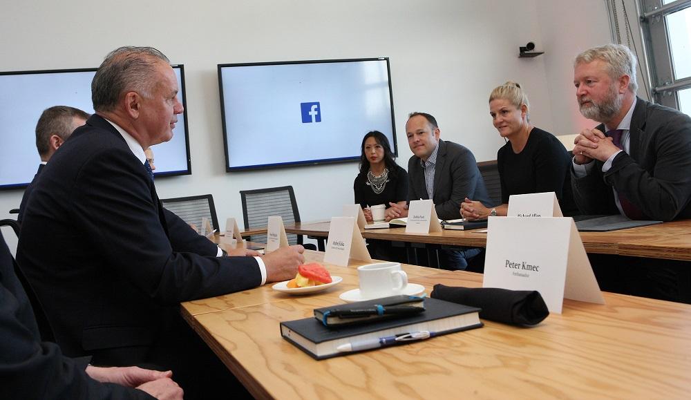 Prezident diskutoval s predstaviteľmi Facebooku o extrémizme