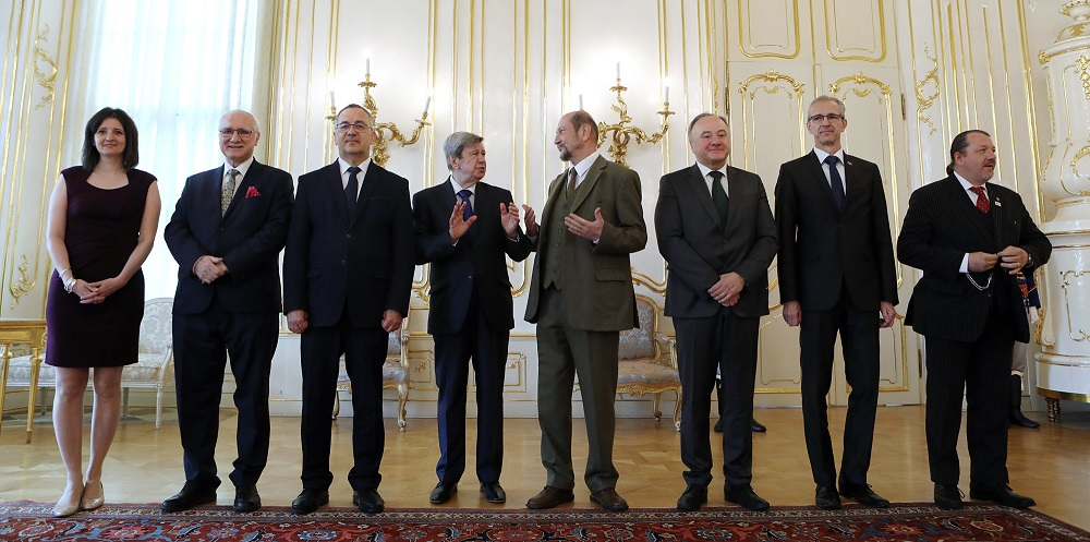 Prezident diskutoval pri obede so slovenskými europoslancami