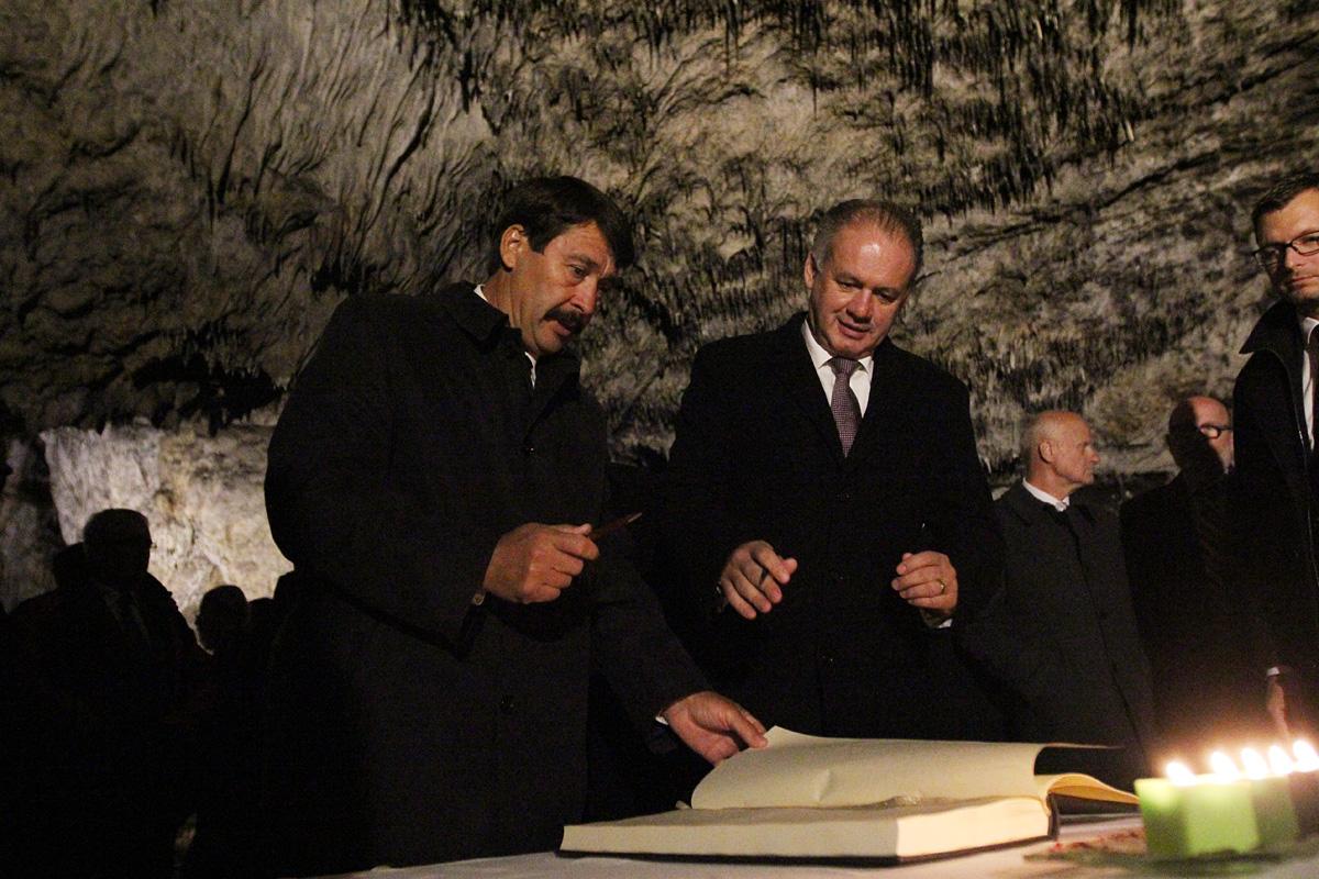 Prezidenti Slovenska a Maďarska si pripomenuli zápis jaskýň do UNESCO