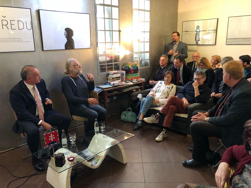 Kiska v Nitre o extrémizme: V župných voľbách ide o veľa