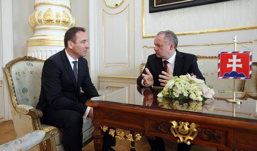 Andrej Kiska prijal nového ministra dopravy Brecelyho