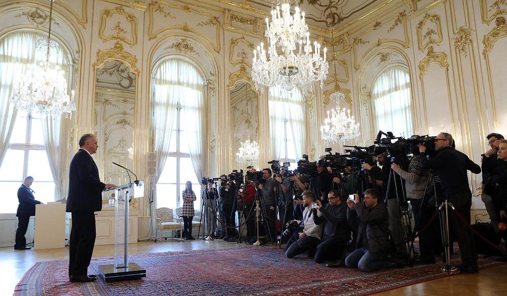 Prezident po prijatí europoslancov: Vraždu je potrebné objasniť