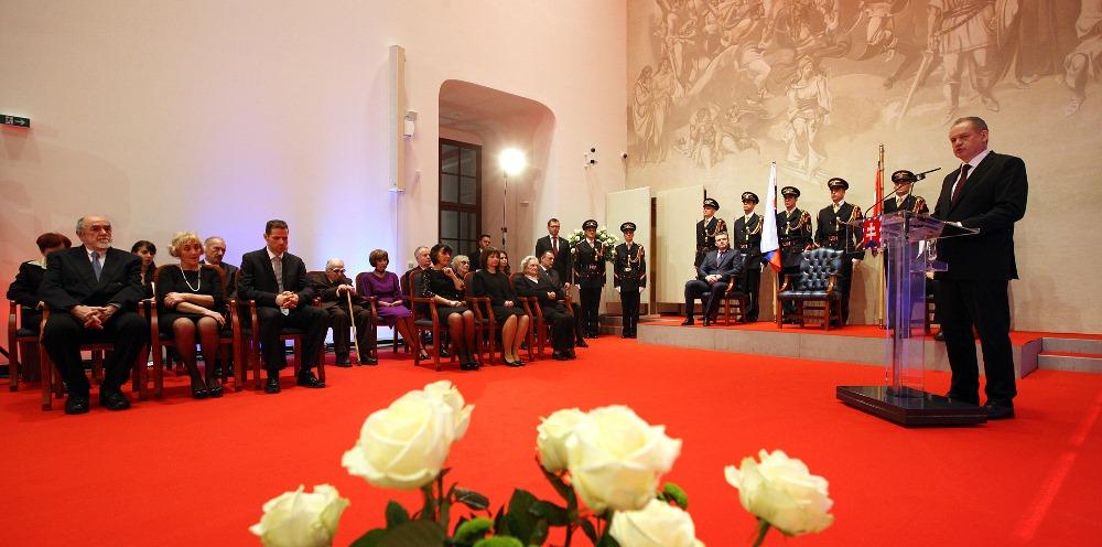 Prezident Andrej Kiska vyznamenal 15 osobností