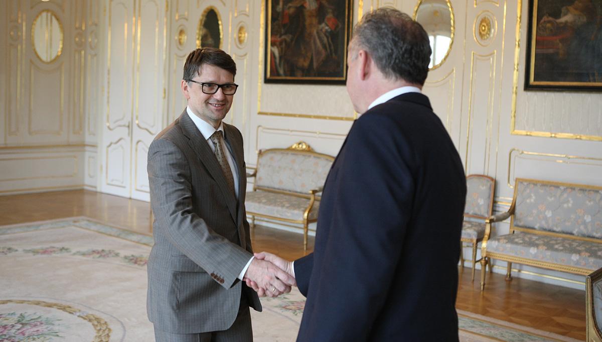 Prezident rokoval s ministrom kultúry Maďaričom