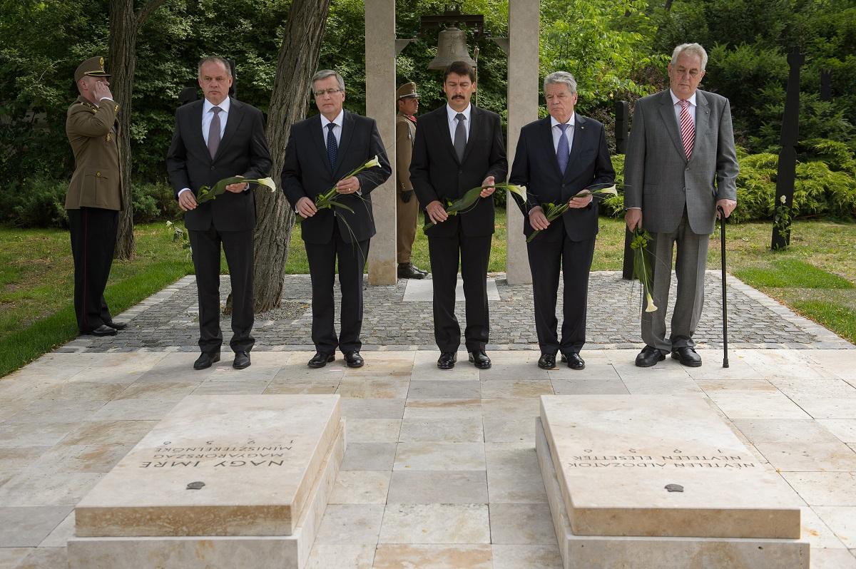 Prezidenti sa v Budapešti zhodli na nutnosti pomoci Ukrajine