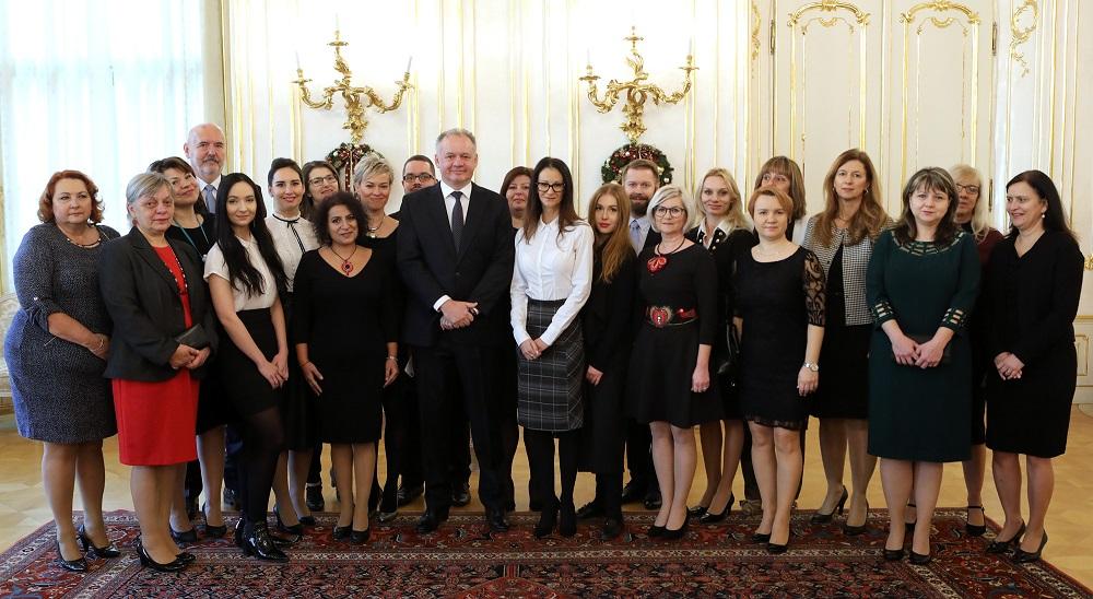 Prezident prijal laureátov ocenenia Vnímavá škola a Vnímavá firma