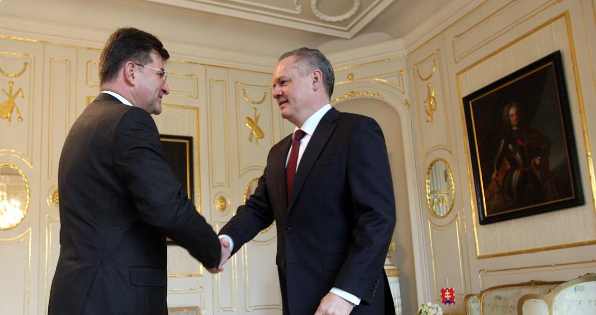 Prezident rokoval s ministrom zahraničia Lajčákom