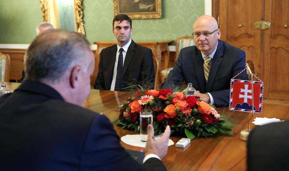 Prezident sa stretol s vedcami k situácii v Slovenskej akadémii vied