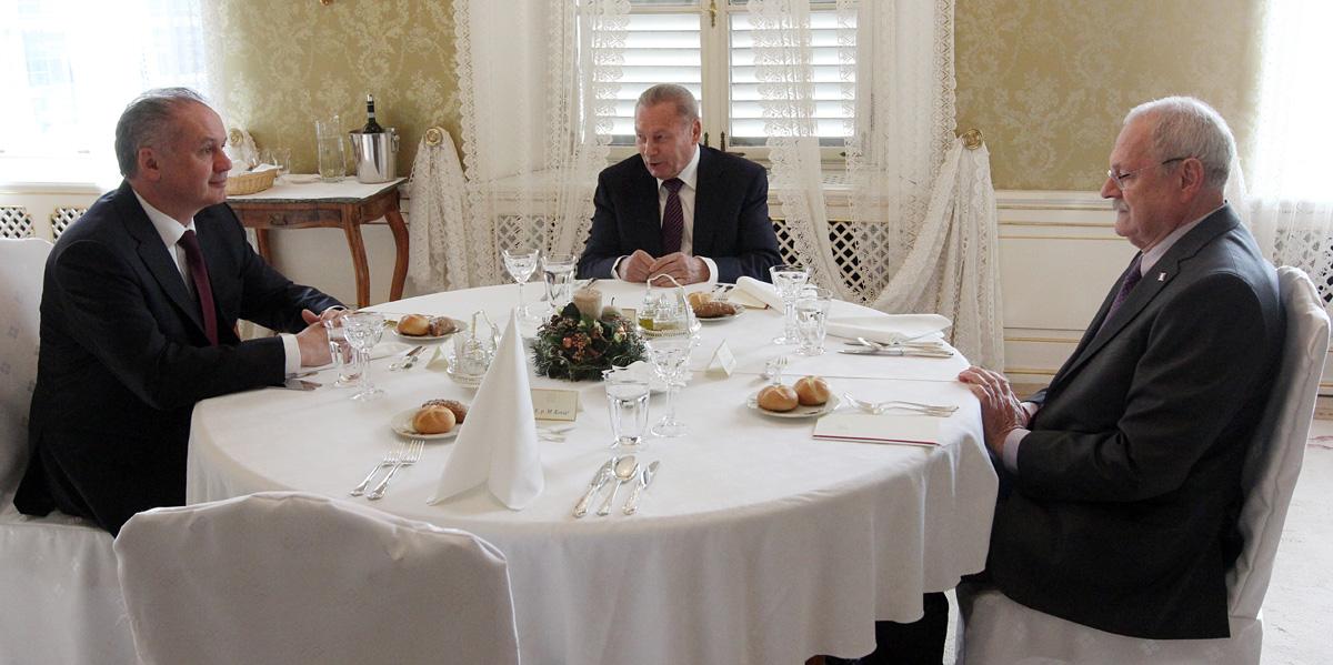 Andrej Kiska hostil bývalých prezidentov na novoročnom obede
