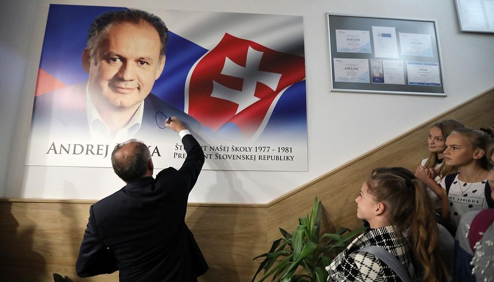 Prezident diskutoval na gymnáziu v Poprade, na ktorom študoval