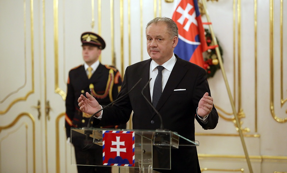 Prezident vymenuje na ústavný súd Laššákovú, Mamojku a Duriša