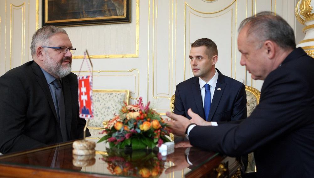 Prezident ocenil postoj Klusa a Mičeva: Nedovoľme zlu zvíťaziť