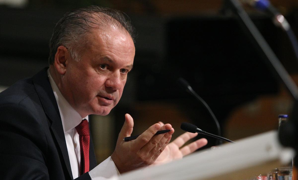 Prezident napísal otvorený list ministrovi Richterovi v kauze Čistý deň