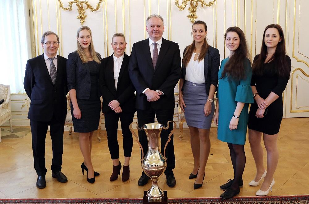 Prezident prijal víťazov Dejepisnej súťaže gymnazistov