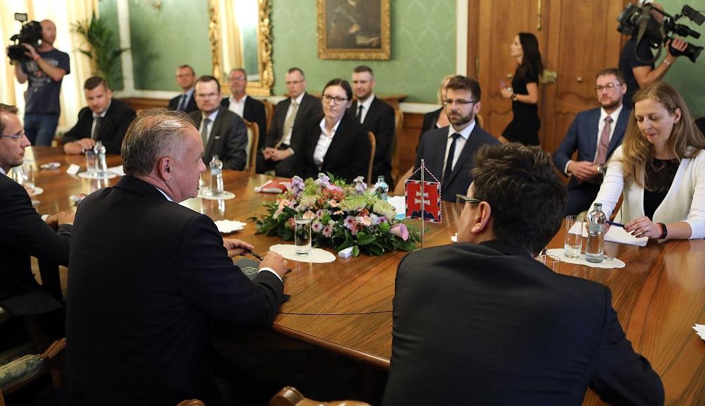 Prezident prijal iniciátorov výzvy za reformu Ústavného súdu SR