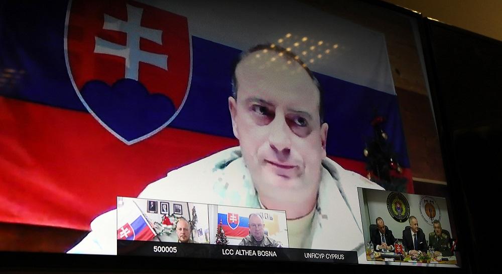 Andrej Kiska telefonoval veliteľom našich misií v zahraničí