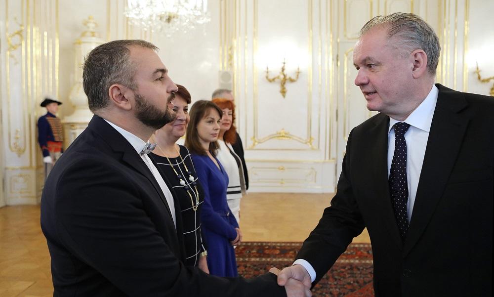 Prezident prijal Radu pre štátnu službu