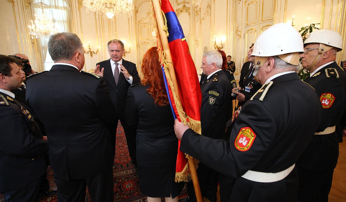 Prezident prijal dobrovoľných hasičov pri príležitosti ich sviatku