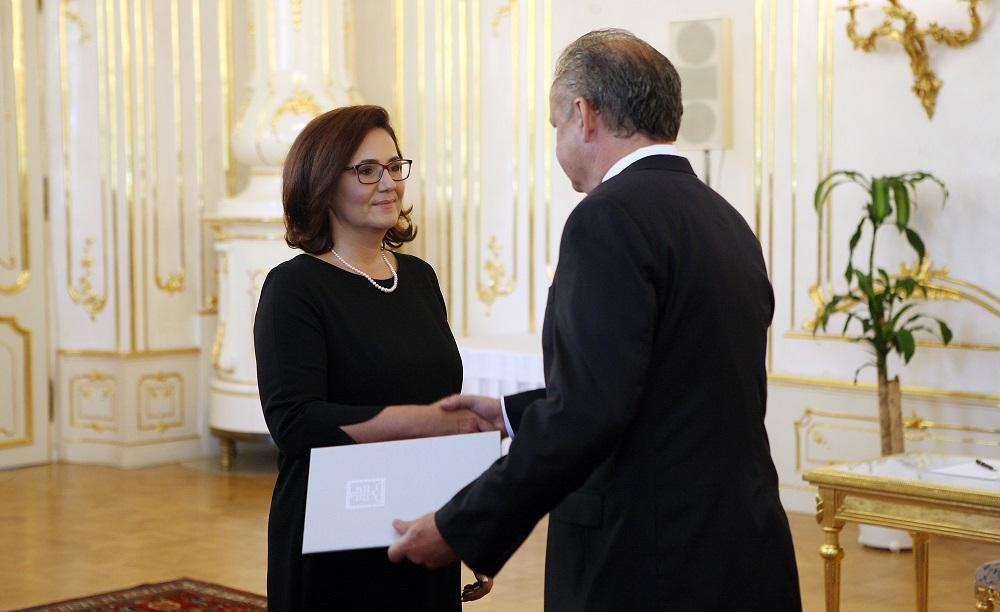 Prezident vymenoval novú ministerku školstva Martinu Lubyovú
