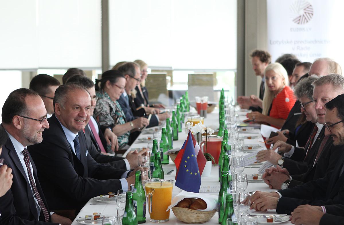 Kiska sa stretol s veľvyslancami krajín Európskej únie