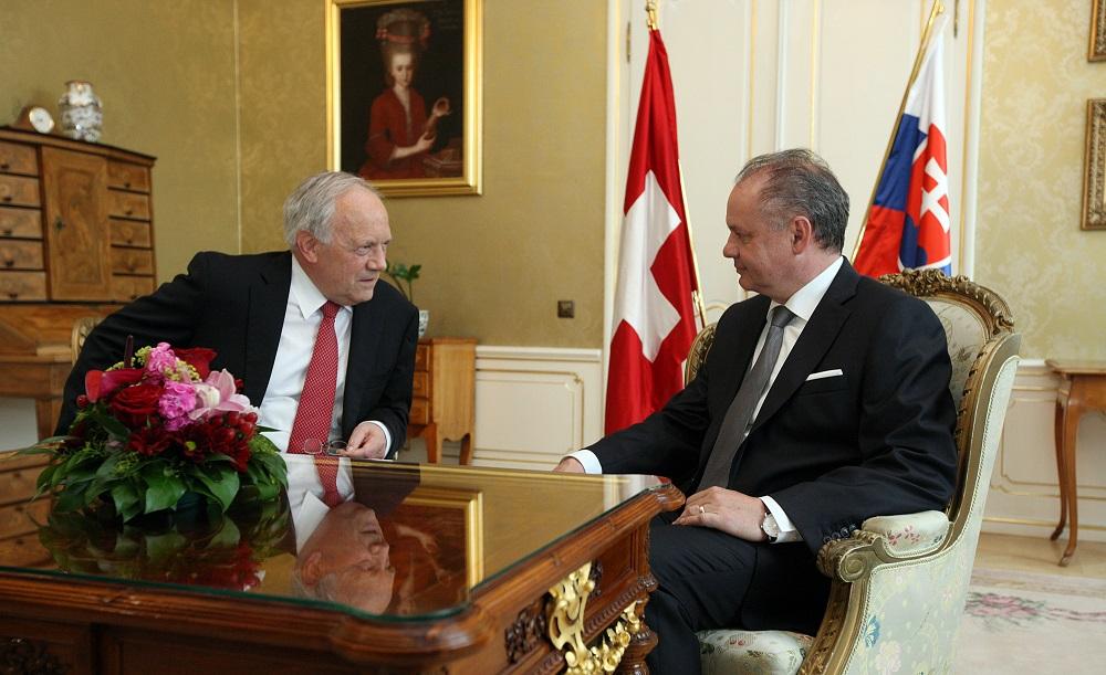 Slovenský a švajčiarsky prezident diskutovali o obchode a bezpečnosti
