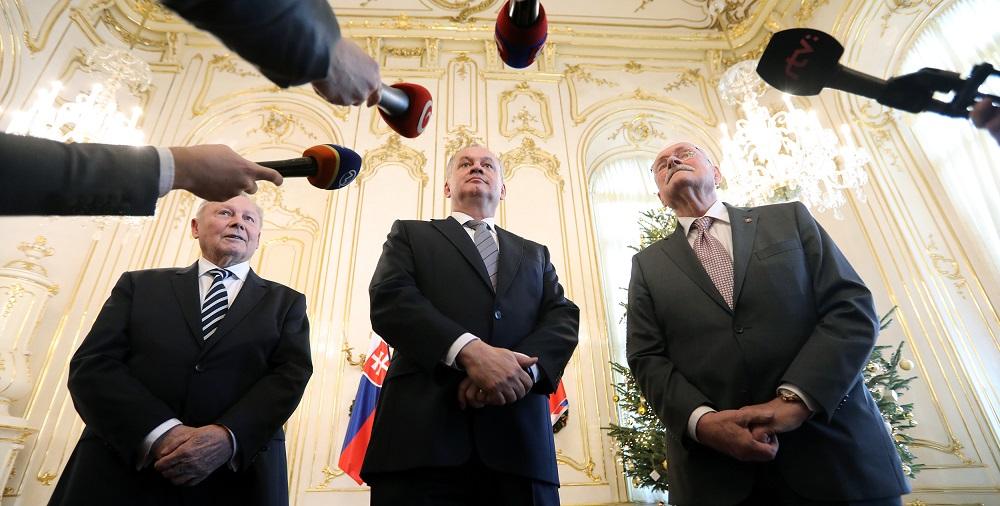 Prezident Kiska pozval prezidentov Schustera a Gašparoviča na novoročný obed