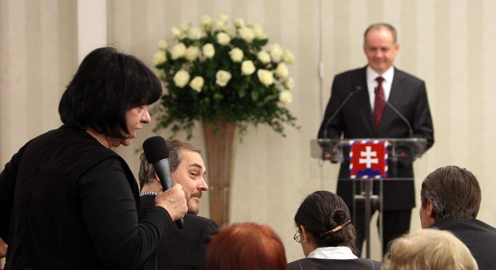 Prezident diskutoval s osobnosťami: Slovensko potrebuje pridať