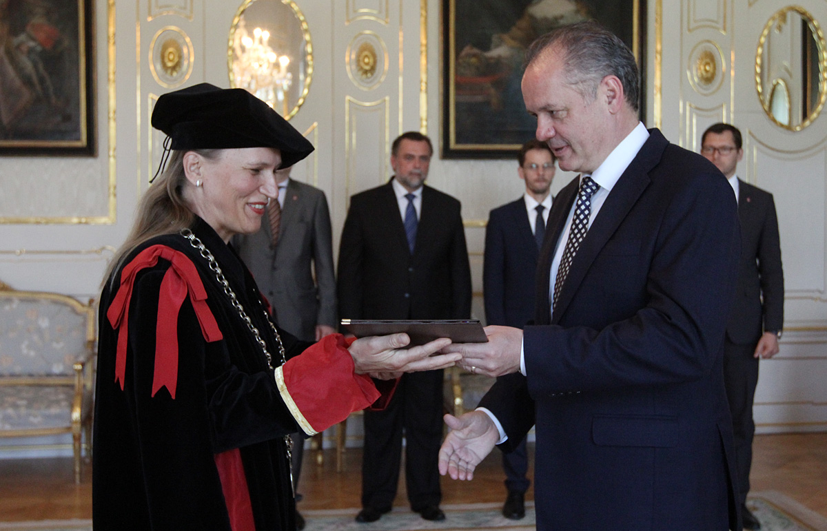 Prezident vymenoval rektorku VŠMU v Bratislave