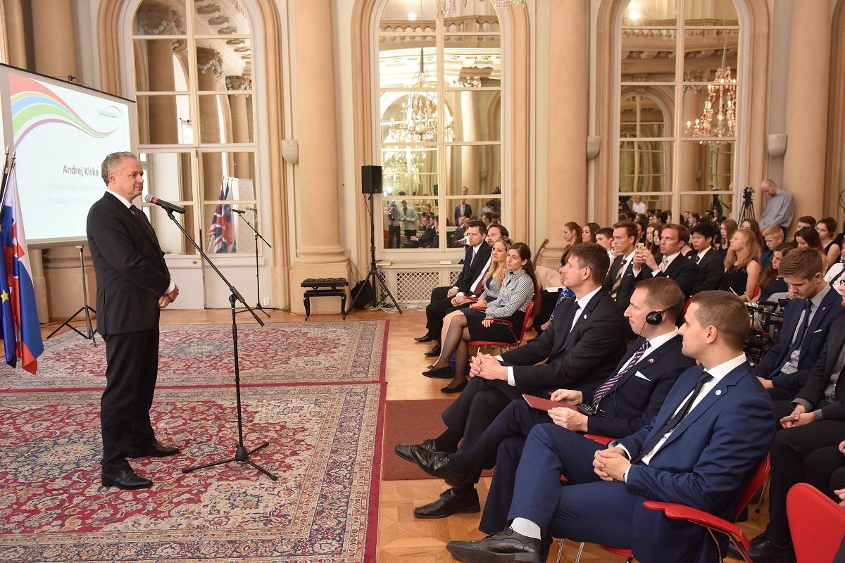 Prezident zablahoželal absolventom Medzinárodnej ceny vojvodu z Edinburghu
