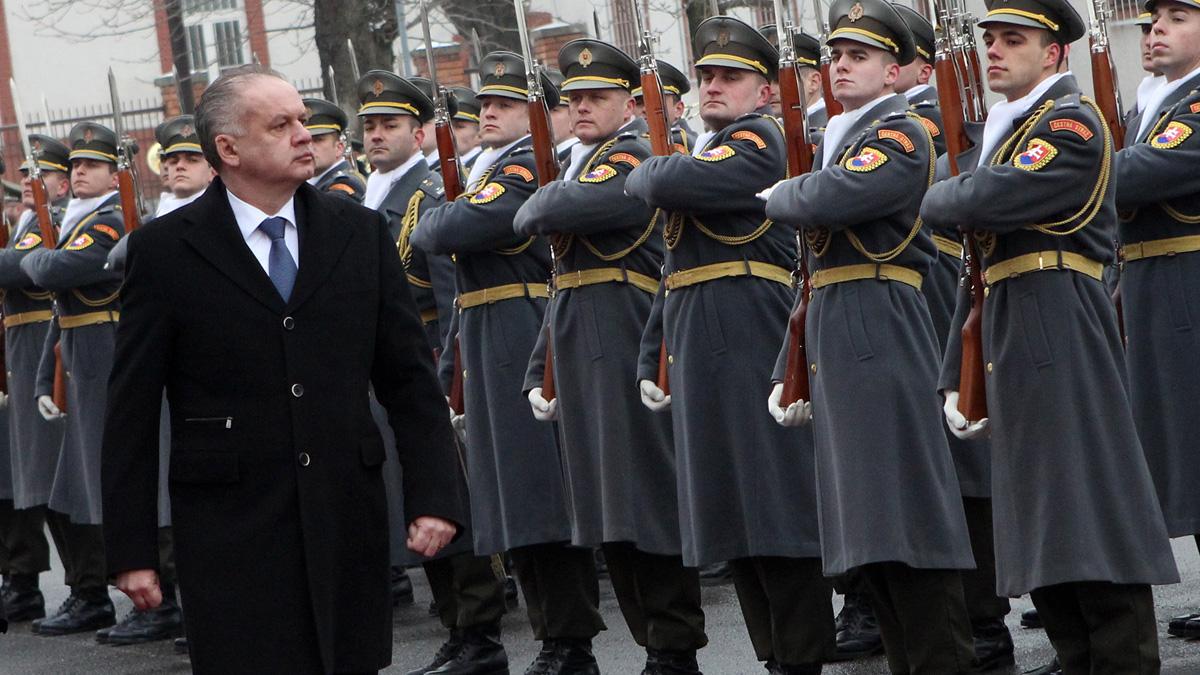 Prezident: Slovensko si neplní záväzky v obrane