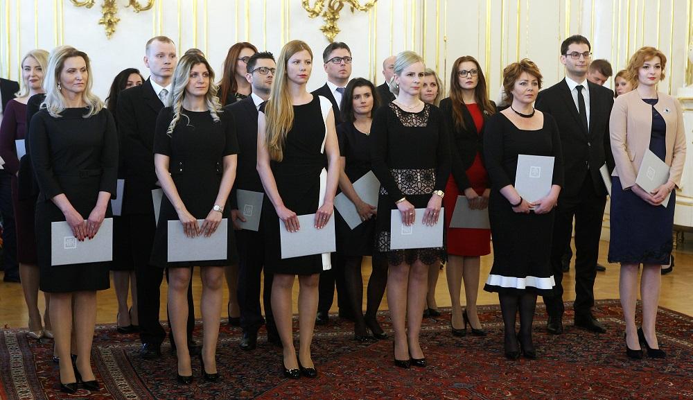 Prezident vymenoval 18 nových sudkýň a sudcov