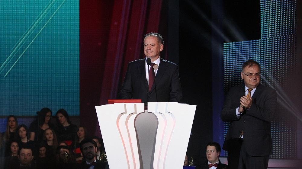 Prezident prevzal v Bosne ocenenie Pečať európskeho lídra