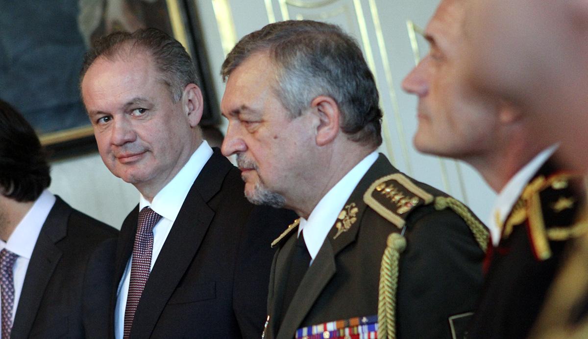 Prezident vymenoval vojenských a policajných generálov