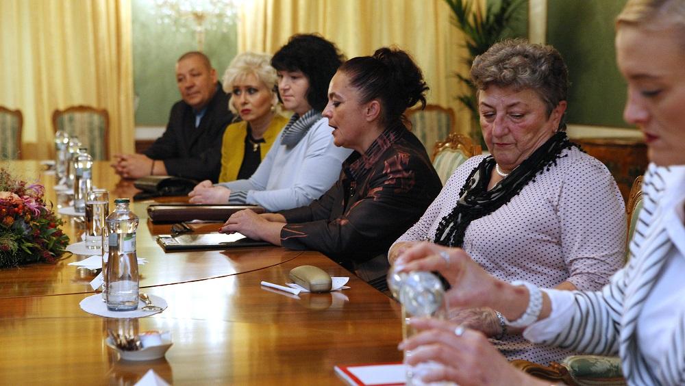 Kiska sa stretol s opatrovateľkami: Slovensko nie je sociálny štát